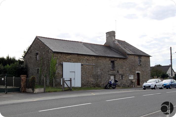 Réhabilitation en 3 logements d'un bâtiment en pierres Pléchatel